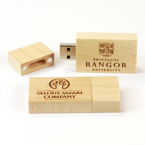 quà tặng usb gỗ có nắp usw05
